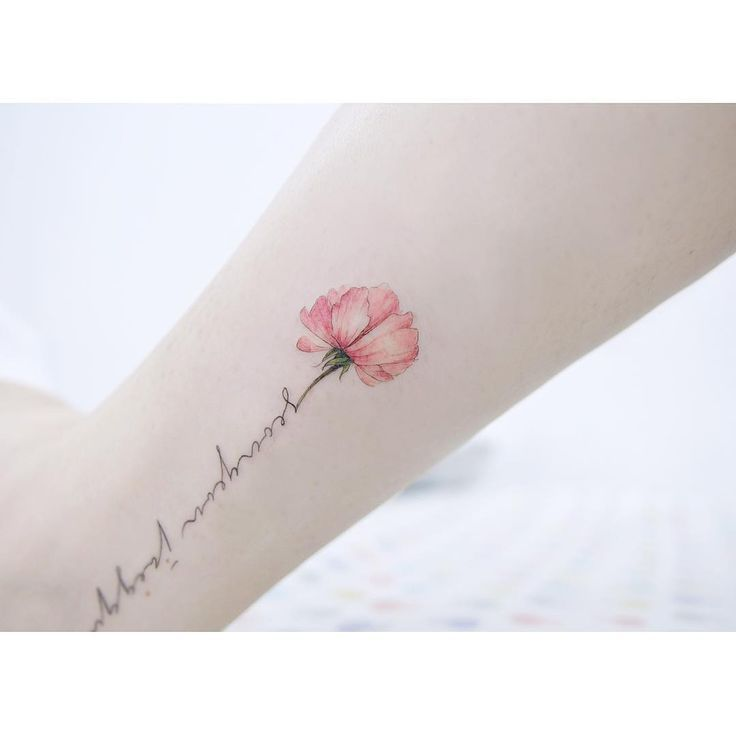 Resultado de imagen para tatuaje flor pequeña acuarela