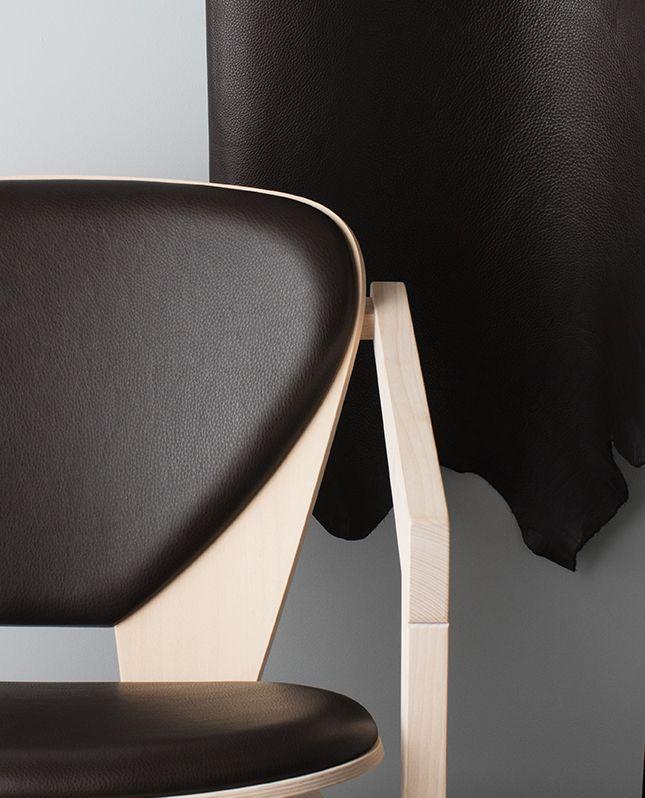 Butterfly Chair by Hans J. Wegner / Getama. Sorensen Leather: Paris Passion / Dark Brown. Photo: Jens Peter Engedal #hanswegner www.getame.dk www.sorensenleather.com