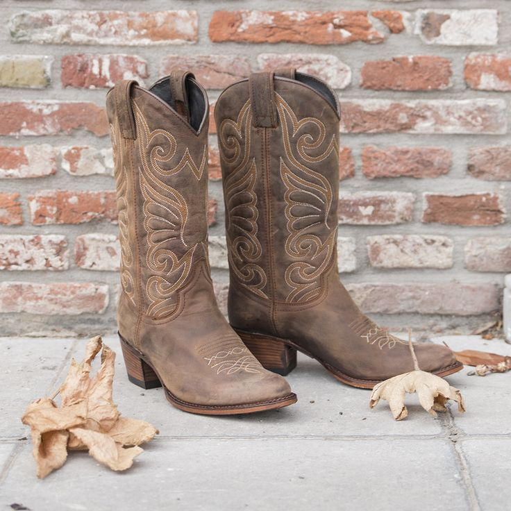 These boots are made for walking --> https://www.omoda.com/women/boots/high-leg-boots/sendra/brown-sendra-high-leg-boots-11627-61528.html/?utm_source=pinterest&utm_medium=referral&utm_campaign=sendraboots3-9-15&s2m_channel=903