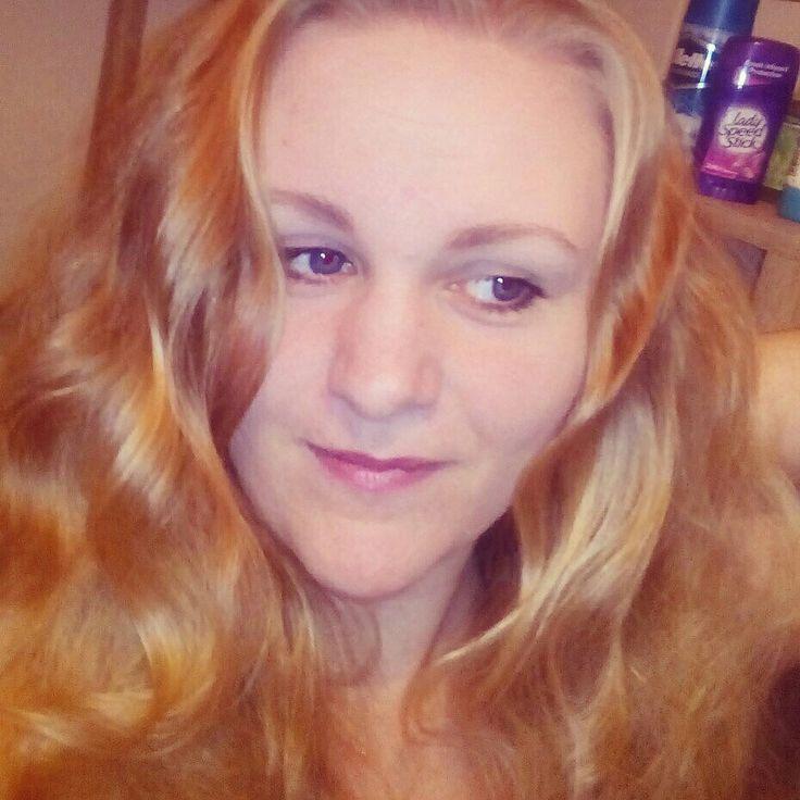Golden hair, Blue eyes, Fair skin, Purple lips