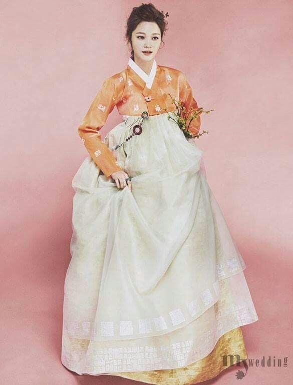 한복 Hanbok Korean traditional clothes