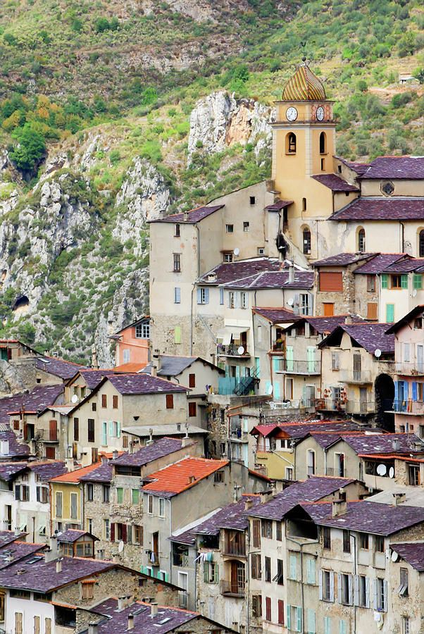 ✮ Perched city located in Nice hinterland.The photo shows the church Saint-Sauveur tower - France