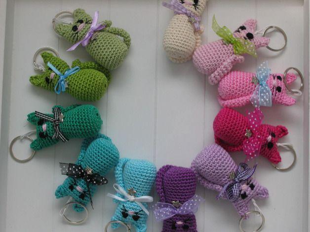 Taschenanhänger - Kätzchen-Schlüsselanhänger (gehäkelt) - ein Designerstück von mia_cara bei DaWanda