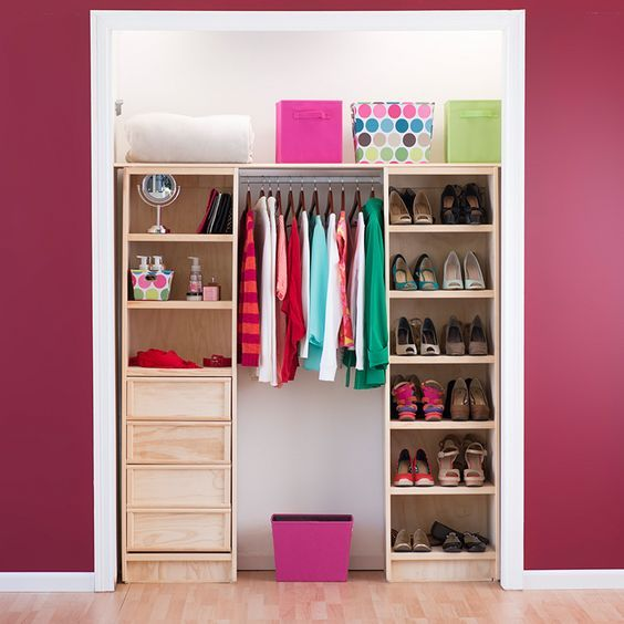 Dise os de closets peque os walking closet room and for Diseno zapateras para closet