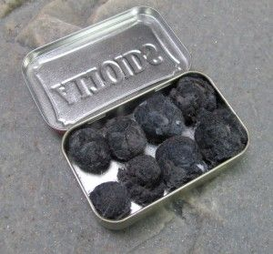 PET Balls. Made from dryer lint and petroleum jelly - the perfect eco-friendly fire-starter. #travel #gift #camping