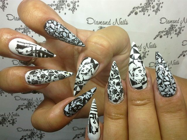 Marilyn Monroe Acrylic Nails