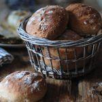 Panini di patate e aglio arrosto