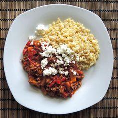 Die Paprika-Pfanne ist schnell fertig, braucht nicht viele Zutaten und schmeckt allen, einfach ein leckeres Familiengericht für jeden Tag.