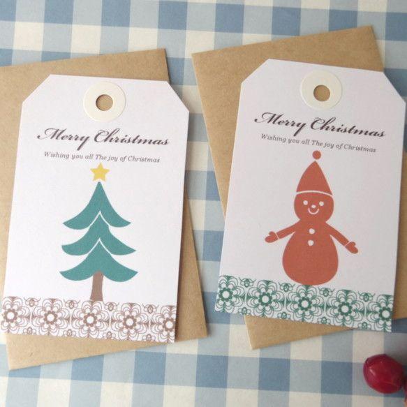 ツリーと雪だるまのギフトタグの形のクリスマスメッセージカードのセット。裏面は白地でメッセージが書けます。封筒はクラフト。ミニカードなので郵送はできません。手渡...|ハンドメイド、手作り、手仕事品の通販・販売・購入ならCreema。