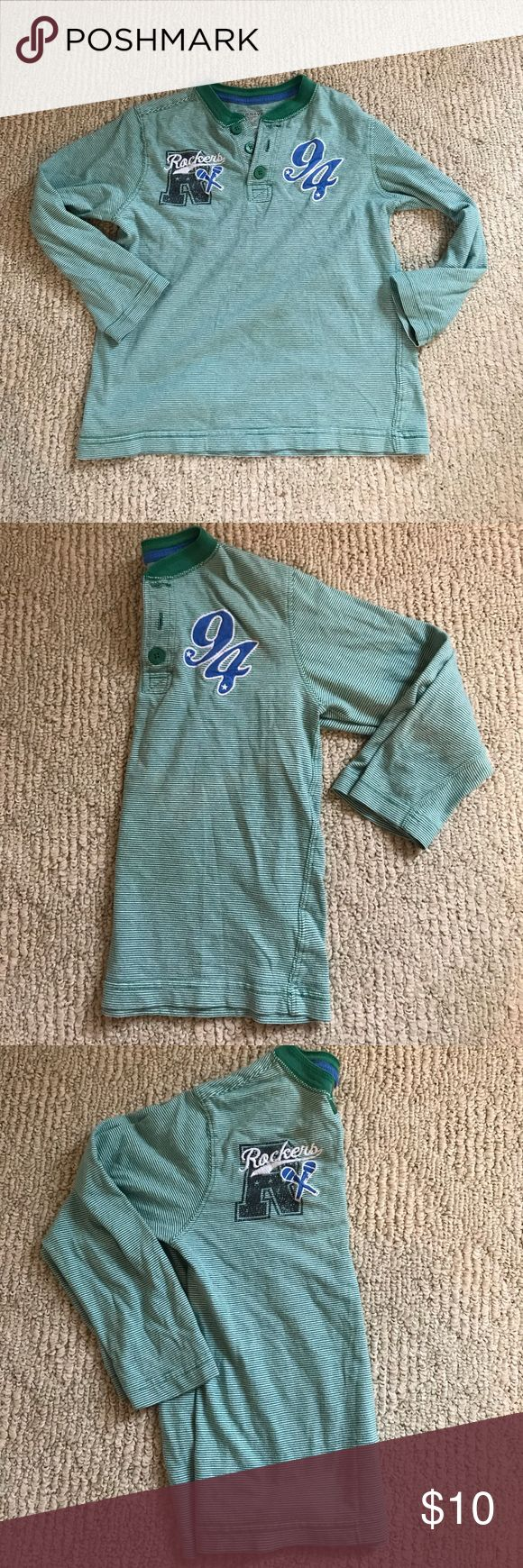 Boys Henley top Gently used old navy green and white Henley small (6-7) blue patch/ embroidered accents on front. No hole, no stains. No trades Old Navy Shirts & Tops Tees - Long Sleeve
