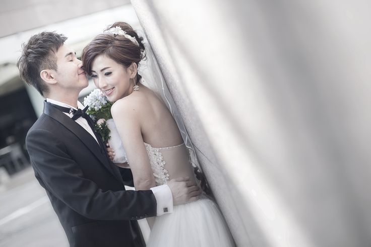 Wedding Day Photography in Singapore at Conrad Centennial Singapore!
