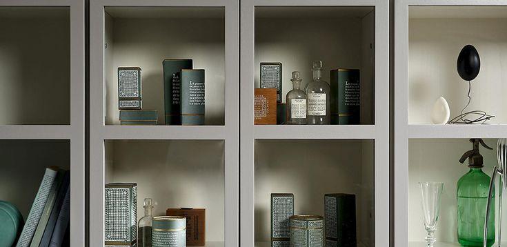 Libreria in legno massiccio ad ante quadrettate Book, designer Titti Fabiani