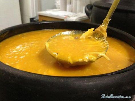 Aprenda a preparar caldo de mandioca com frango com esta excelente e fácil receita. Seja para combater o frio ou aconchegar a barriga, os caldos caseiros são sempre...