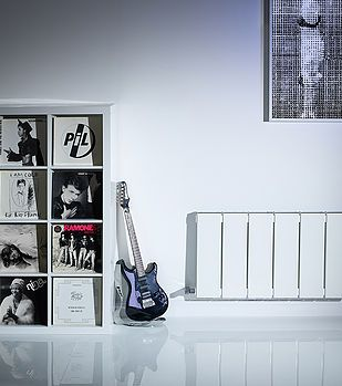 #ladsroom #maleroom #guitar #furniture #bedroom #interior #design #furniture #bookunit #radiator #whitespace #whiteroom #modern #style #ideas #minimal #design