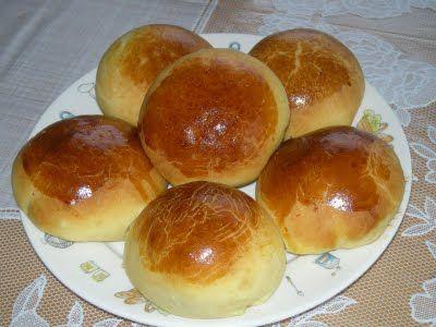 Vamos aprender a fazer um pão de batata muito saboroso e saudável sem glúten e sem leite?   Confiram abaixo essa receita maravilhosa que t...
