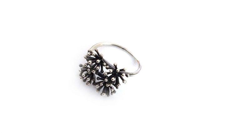 Liliana Guerreiro | Collections -  Handmade silver ring, using filigree technique