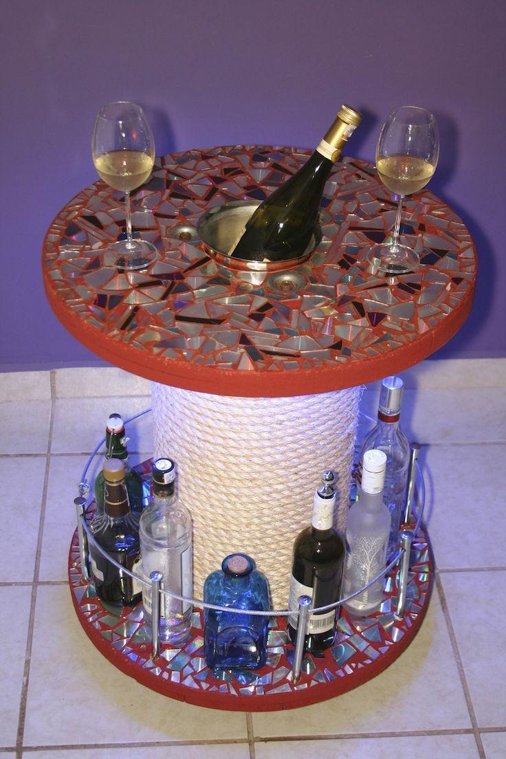Mesa minibar creada por raokshna de roxana soria a partir for Mesa carro bar madera