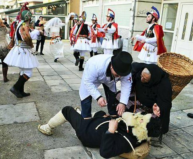 Οι ξεχωριστοί εορτασμοί της Βόρειας Ελλάδας, τα Μωμοέρια, ανήκουν πλέον στη λίστα της άυλης πολιτιστικής κληρονομιάς της ανθρωπότητας, με επίσημη ανακοίνωση της Unesco. Δείτε το εξαιρετικό αφιέρωμα στην παράδοση της Κοζάνης (vid)