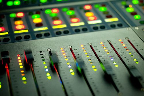 Flying Faders | fancy knobs