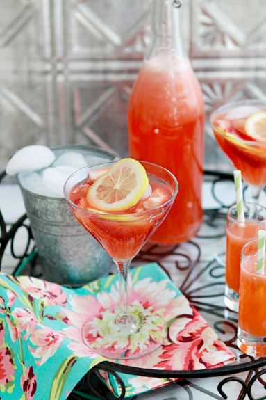 Strawberry lemonadeBrevil Juicers, Juicers Recipe, Strawberries Lemonade, Strawberries Lemonlimead, Fresh Strawberries, Strawberries Lemon Limeade, Strawberry Lemonade, Fruity Drinks, Drinks Recipe