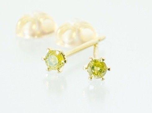 天然イエロー ダイヤモンド×K18 6本爪 スタッドピアス - inGod jewels
