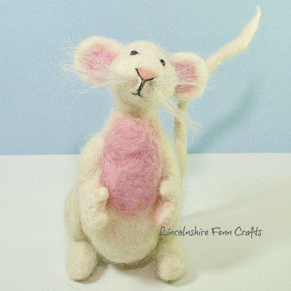 Mouse Needle Felting Kit ~ starter needle felting kit ~ needle felted mouse
