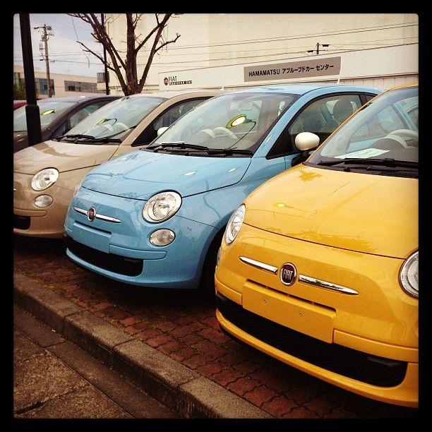 Fiat 500 Colur therapy: beige cappuccino, azzurro volare, giallo sole.