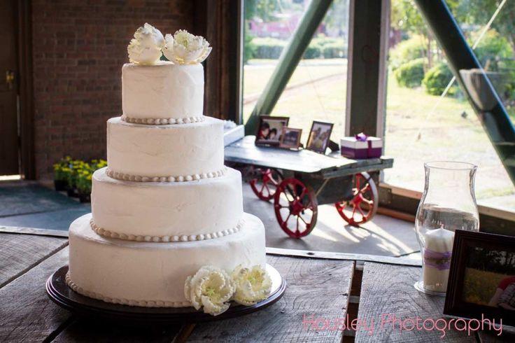 White Wedding Cake Wedding Details at The Histroic Depot ...