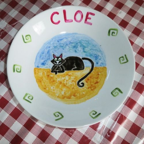 Assiette peinte personnalisée chat noir