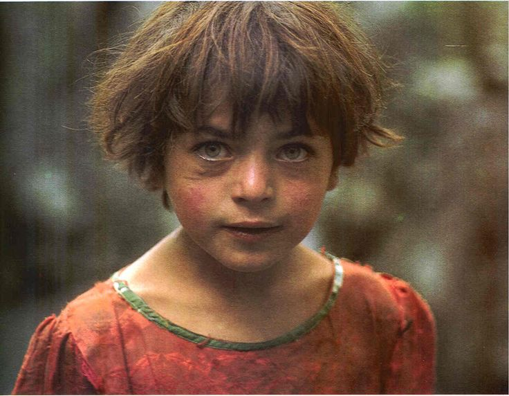Členové kmene Hunza jsou vždy usměvaví, milí a silní. Vypadají tak mladistvě, že mnoho lidí zvenčí jenejednou šokováno jejich skutečným věkem. Občas vypadají, jakoby byli z jiné planety. Kmen Hunza žije v horách severního Pákistánu. Jejich populace je jen kolem 87 tisíc lidí.Podivní jsou především tím, že se v průměru dožívají věku přes sto let. …