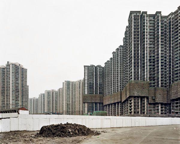 SZE TSUNG LEONG - Zhongyuan Liangwan Cheng II, Putuo District, Shanghai, 2005