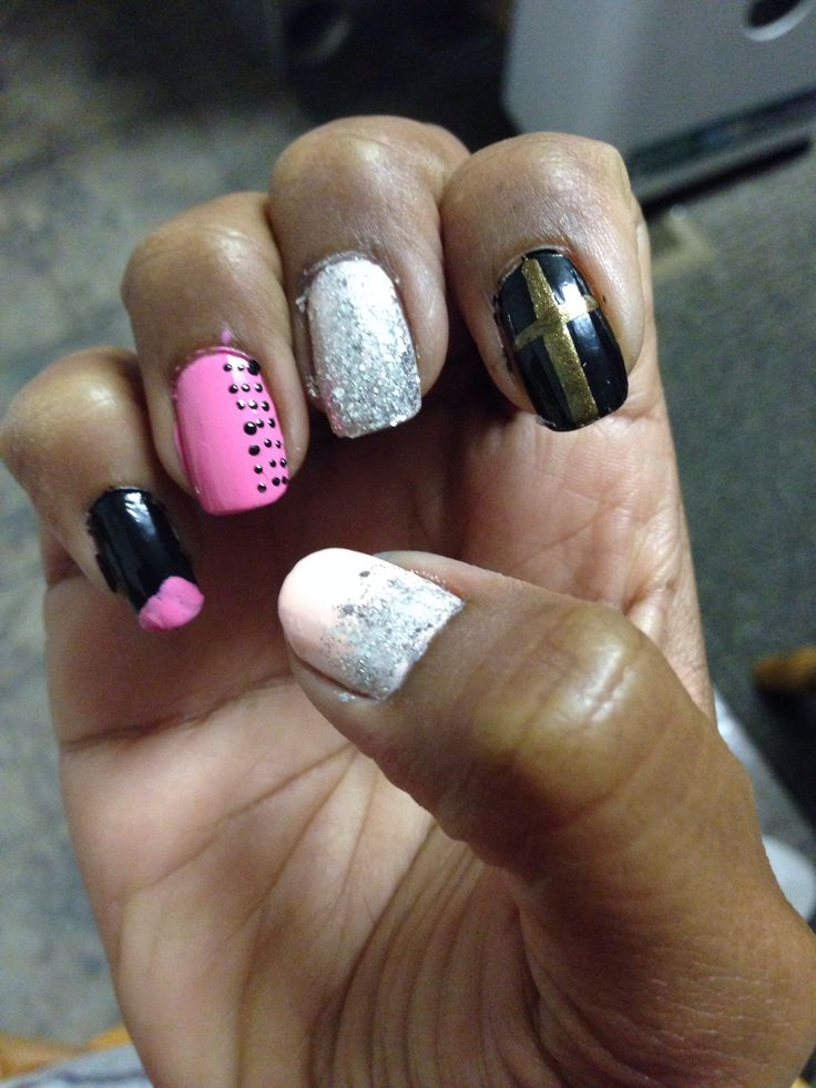 Black pink glitter nails | Mine creations | Pinterest