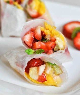 Tropical Kiwi Strawberry Spring Rolls. | How Sweet It Is: Health Desserts, Tropical Fruit, Food, Dips Sauces, Kiwi Strawberries, Strawberries Spring, Spring Rolls Recipe, Tropical Kiwi, Fruit Spring