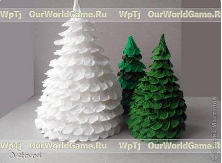 Krepp papírból karácsonyfa ismét