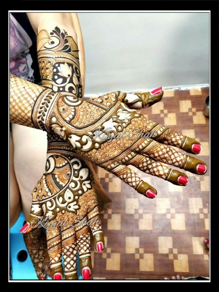 Fancy back! For orders n classs contact 09833887817... #kinjalmehndiart #bridalhenna #mehendidesign #trendyart #bridaldesigner #bodyart #hennatattoo #fancyback #newconcept #latestfashion #cutwork #lotusdesign #paisley