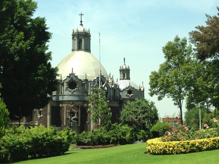 Alrededor de la Villa y sus iglesias/capillas