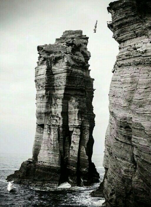17 best images about diving on pinterest stick it olympic games and tonia couch - Highest cliff dive ever ...