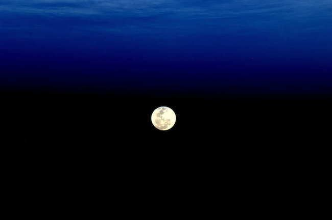 Super Moon 30 Stunning Pictures Of Earth Taken From Space • Page 5 of 6 • BoredBug