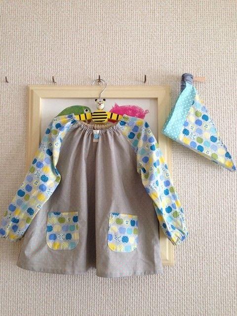 幼稚園や保育園の入園準備にいかがでしょう明るい色合いで元気なイメージになるように作ってみました^^スモックと三角巾のセットになります。 綿でしわになりにくく、...|ハンドメイド、手作り、手仕事品の通販・販売・購入ならCreema。