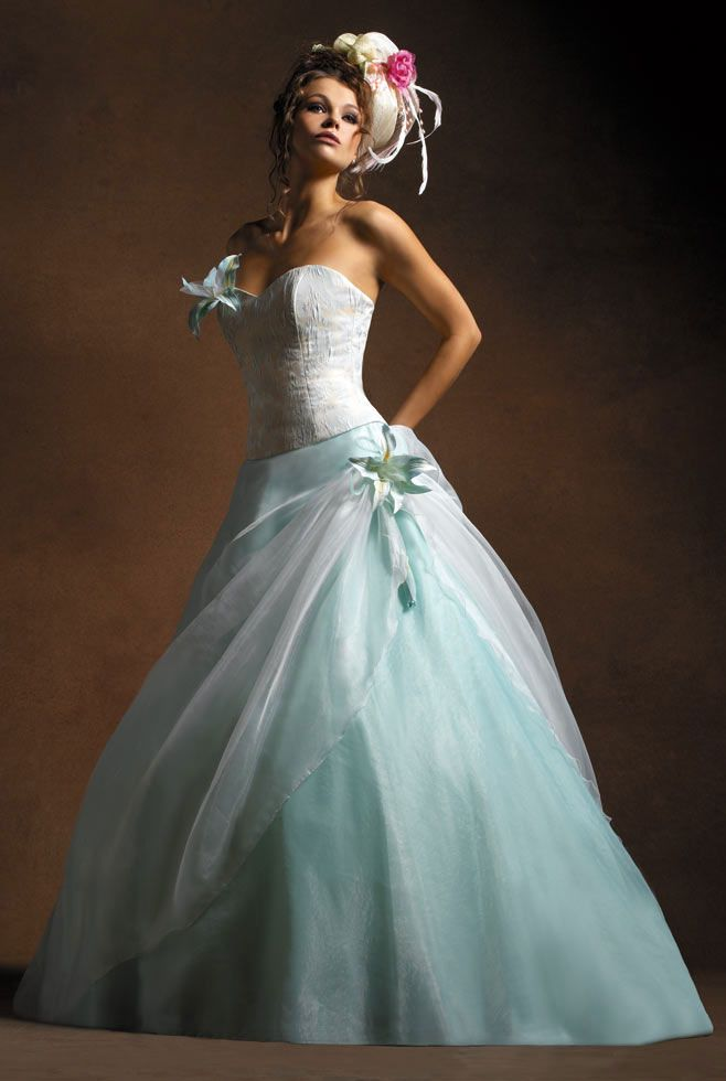 The 222 best UNIQUE WEDDING GOWNS images on Pinterest | Wedding ...