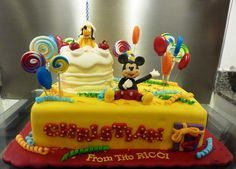 mickey and pluto cake