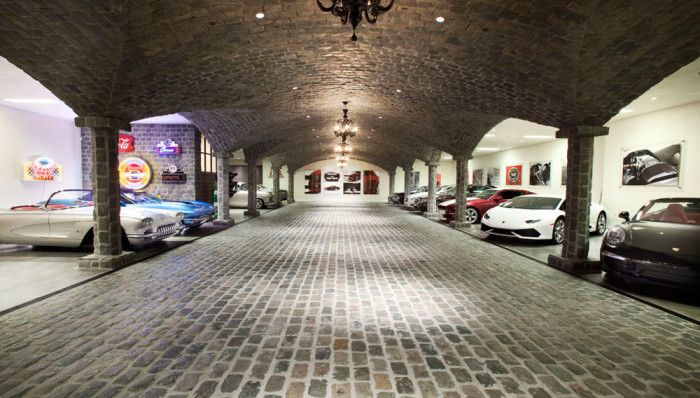 20 Car Garage With House For Sale In Ny: A Car Collector's Dream Mansion With 25 Car