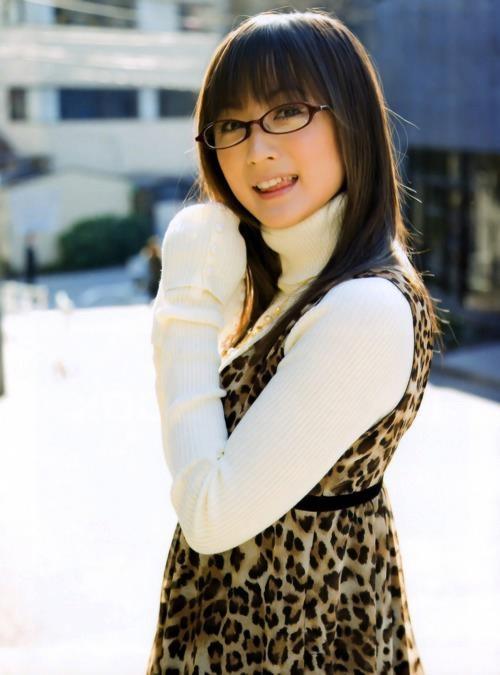 Ayaka Komatsu in glasses...cute :)