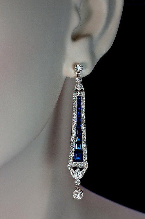 Brincos Art Déco Calibre Sapphire Diamond Dangle   – Schmuck-antik