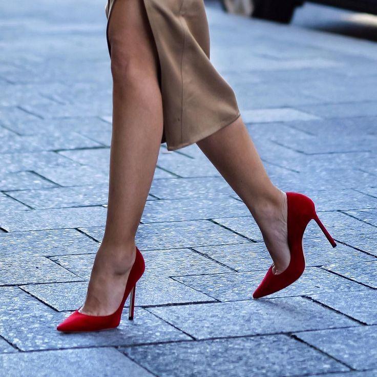 место смотреть картинки с модными туфлями вновь