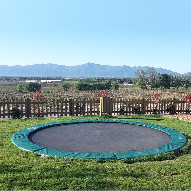 Die besten 25 bodentrampolin ideen auf pinterest for Gartengestaltung trampolin