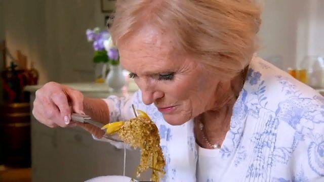Mary Berry S Elderflower Cordial Recipe Recipe Cordial Recipe Elderflower Cordial Elderflower