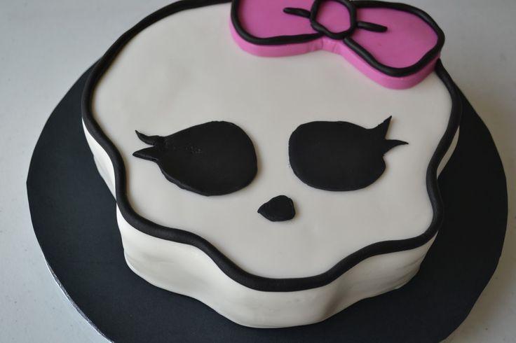 Monster High Cake (How to make the Skull logo)