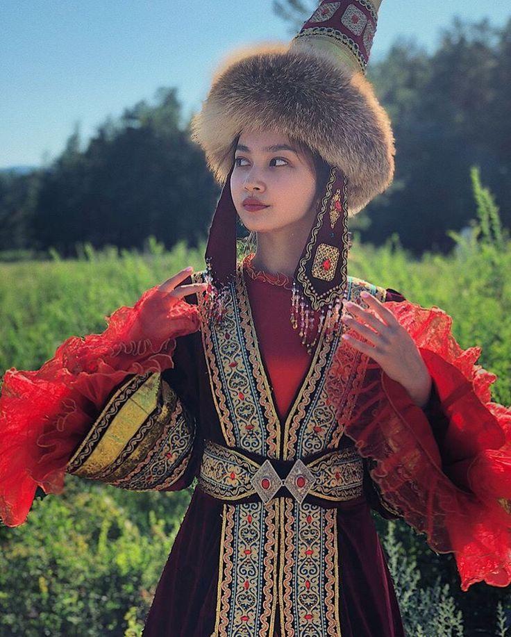 темно-синие картинки казахского костюма воспоминание лощине наводит