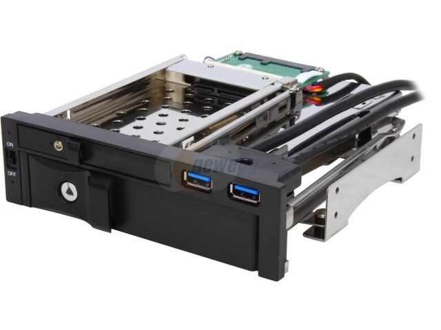 """ENERMAX EMK5201U3 Mobile Rack - 5.25"""" drive bay designed for one 3.5 HDD/SSD + one 2.5"""" HDD/SSD + two USB 3.0 ports"""